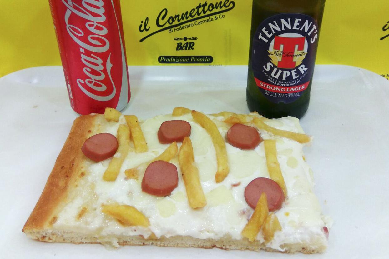 Pizza Würstel € 2,50